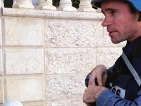 Stuart, journaliste pro-palestinien change d'avis sur Israël.