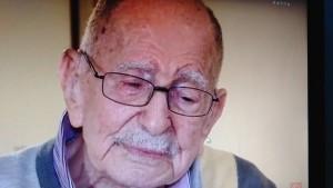 Un rescapé centenaire retrouve son neveu 70 ans après la Shoah
