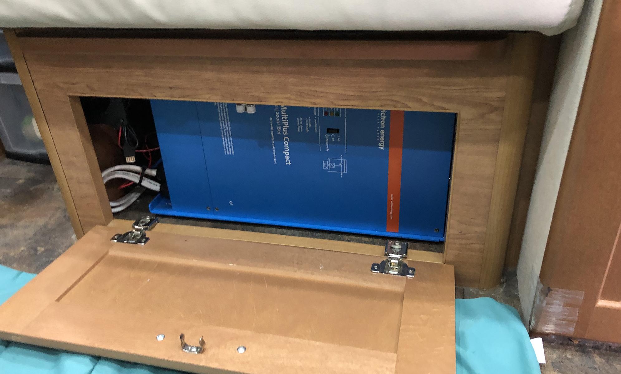 Victron Inverter Lithium Battery System Van