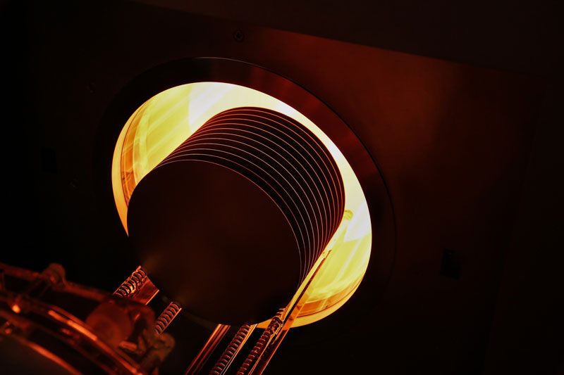 PEO-604-drive-in-wafer-top-heating-on-dark