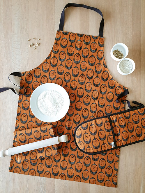 Hannah Issi Terracotta Hedgehog Oven Gloves, Apron and Tea Towel