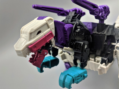 Weekly Robot- War for Cybertron: Earthrise Voyager WFC-E21 Decepticon Snapdragon