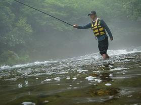 北海道みなみ富良野アウトドアツアー 渓流釣りならガイドラインアウトドアクラ