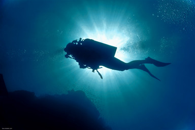 Diver & Sunrays - Koh Lipe 2020