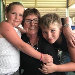 Dot & grandchildren - IMG_0819