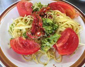 トマトとブロッコリーのパスタ〜7月のごちそうさま〜