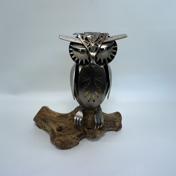 metal art sleepy owl