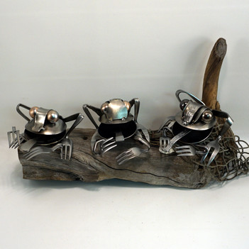 metal art frogs 2