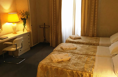Gran Hotel Croce di Malta quarto.jpg
