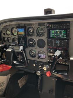 N9968F Right Avionics