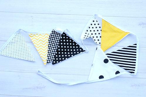 דגלונים | דגם צהוב שחור לבן
