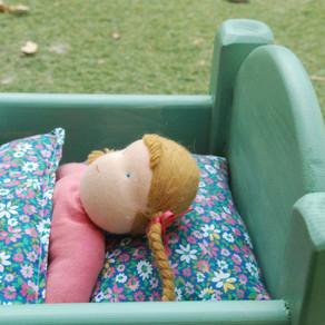 מיטת עץ לבובה