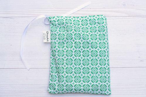 סינר הנקה | דגם ירוק עיגולים