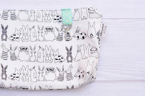 תיק החתלה | דגם ארנבים פלוסים פנימי