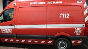 RIO MAIOR: TRABALHADOR FICA EM ESTADO GRAVE AO CAIR DE UMA CASA EM CONSTRUÇÃO