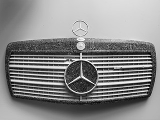 'Round the Benz' (2019) Illustrated vintage Mercedes grill by Thomas Wolski