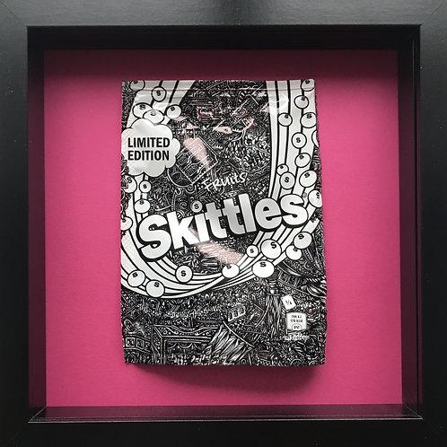 'No added sugar' Pink-Original Illustrated skittles packet 1/1