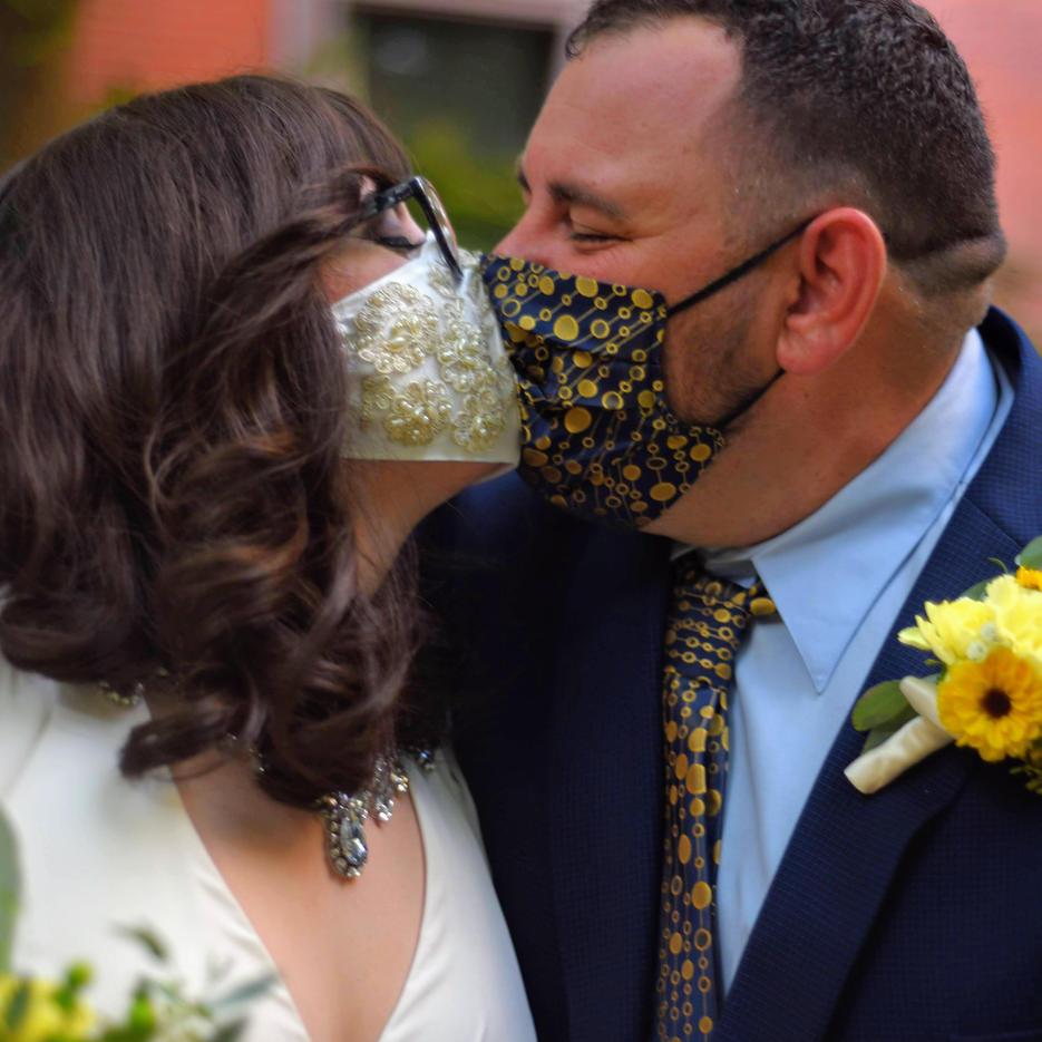 documentary style wedding photography baltimore maryland pandemic wedding portraits