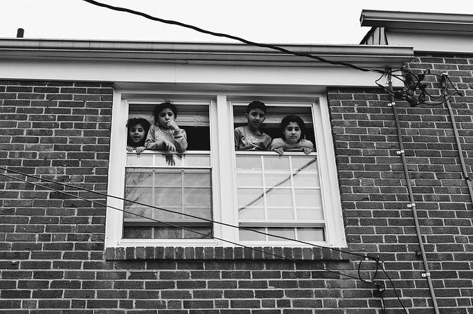 docu.siblings window.JPG