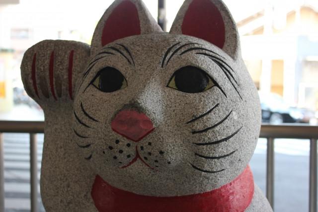 豪徳寺招き猫像