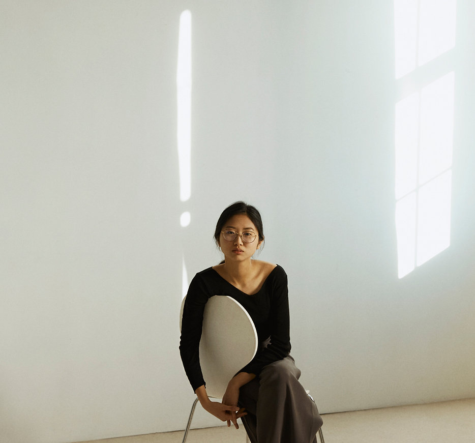 WEI TING ZENG, a Taiwanese cellist and film composer based i Oslo, Norway.
