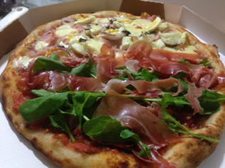 Pizza Portguesa e Presunto Especial