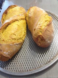 Pão Artesanal de Abóbora Cabotia e Chia