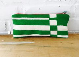 KELLY GREEN BOLD GEO ZIPPER BAG