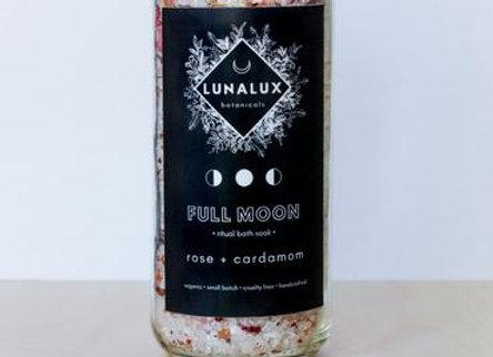 FULL MOON // Rose + Cardamom Bath Soak -12oz.