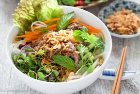 Vietnamese-Beef-Noodle-Salad-Bun-Bo-Xao-