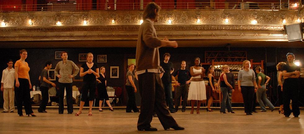 virtual.tango.classes.jpg