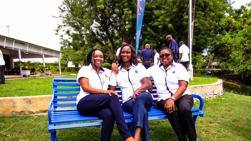The ladies of Nisomar