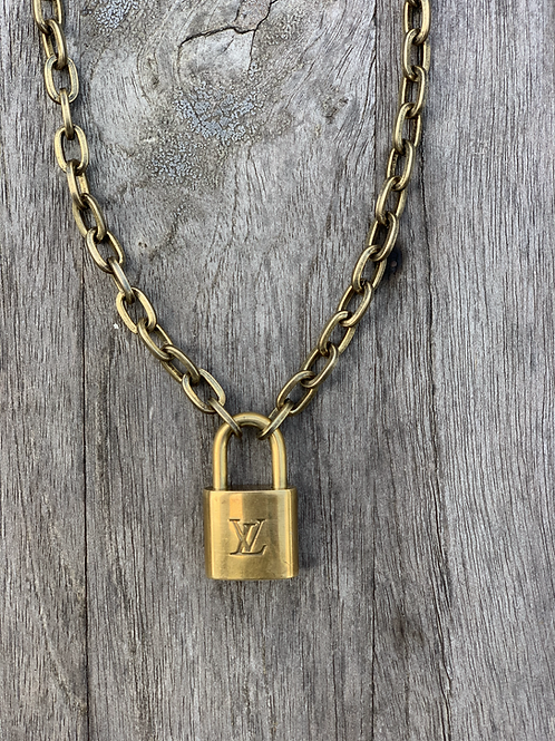 Louis Vuitton Luggage Lock Necklace-Cable Link Chain Petite