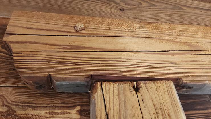 Détail construction vieux bois