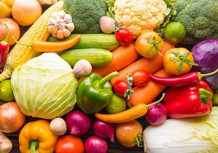 Per contenere l'aumento di peso fisiologico per età l'alimentazione migliore è basata sull'apporto p