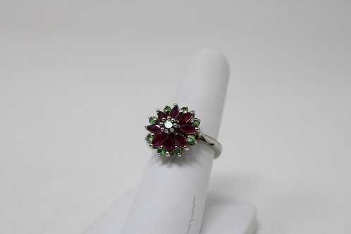 .925 Sterling Silver with Aventurine & Spinel Size 6