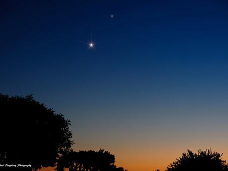 Güneş battıktan hemen sonra görülen parlak yıldız