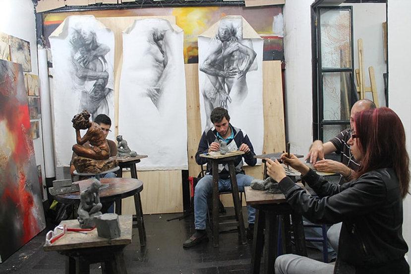 escultura-estudiantes-fundacion-a2s.jpg