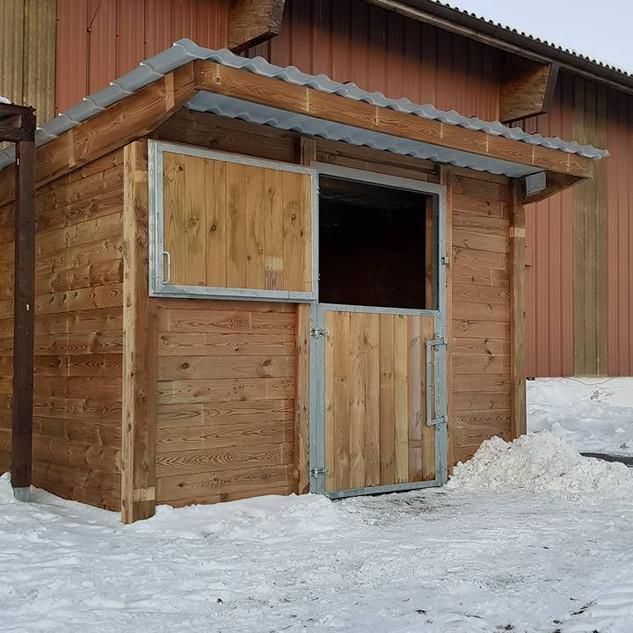 Montage de box extérieurs pour Rovagro