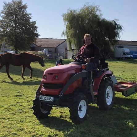 Entretien de prairies (ici broyage des refus)