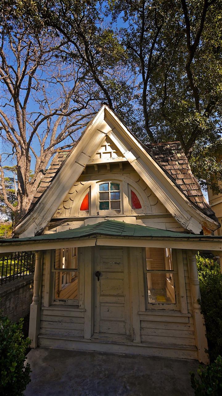 PLAYhouse-exterior_RZ.jpeg