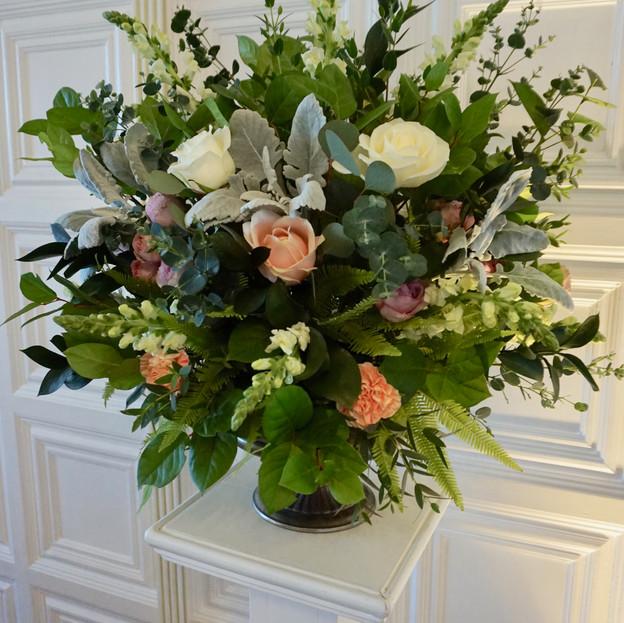 Large pedestal flowers