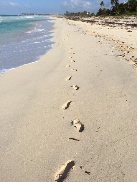 footprints beach.jpg