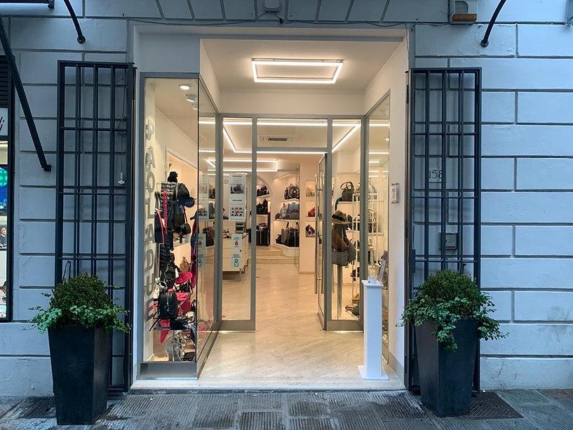 entrata negozio Paola Due Montevarchi.jp