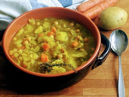 Zuppa di cavolo cappuccio, ceci e patate