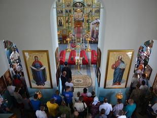 В КАЗАНСКОМ ХРАМЕ Д. ЯКОВЛЕВО СВЕРДЛОВСКОГО РАЙОНА СОСТОЯЛОСЬ ПЕРЕЗАХОРОНЕНИЕ ОСТАНКОВ ВОИНОВ ВЕЛИКО