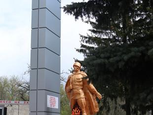 ЕПИСКОП НЕКТАРИЙ ПОСЕТИЛ МИТИНГ У МЕМОРИАЛЬНОГО КОМПЛЕКСА С. ПРОТАСОВО МАЛОАРХАНГЕЛЬСКОГО РАЙОНА