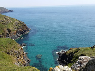 Cornwall trip Day 2: Scraped knees and a Rocky landing from the Sea.
