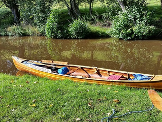 A Quiet Paddle on the Brecon Canal