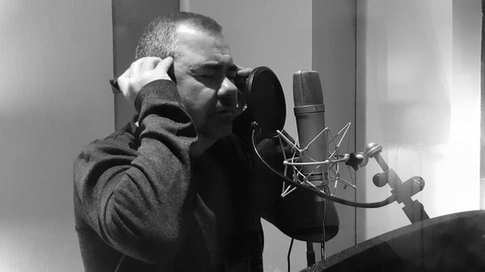 Pete recording vocals Parr St Studio (Liverpool)